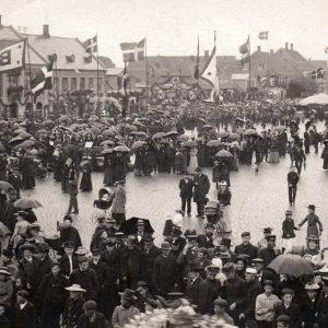 Børnehjælpsdag på Torvet i Rønne i 1905