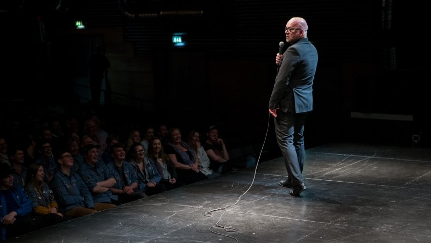 Lars Hjortshøj og de udsatte spejdere på første række.