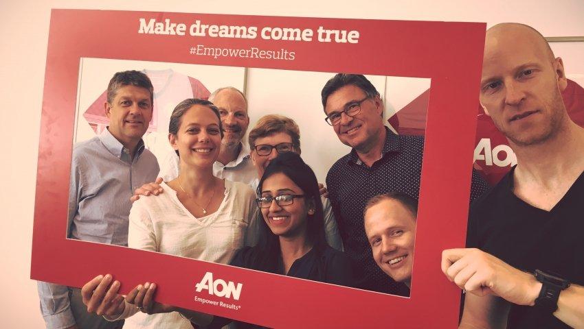 Ansatte fra Aon Denmark samlet for at opfylde anbragte børns drømme