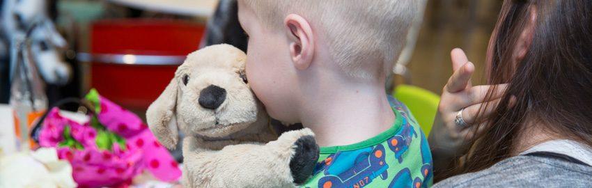 Giv et bidrag til anbragte børn og unge i Danmark