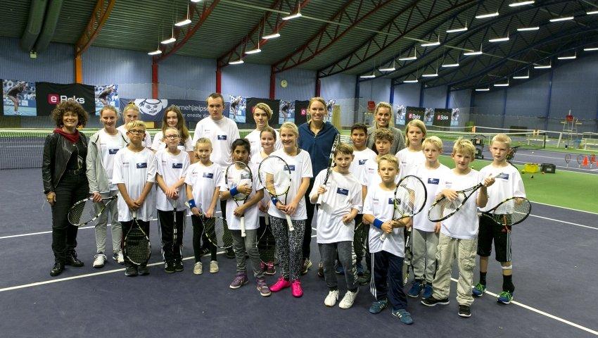anbragte børn til tennis