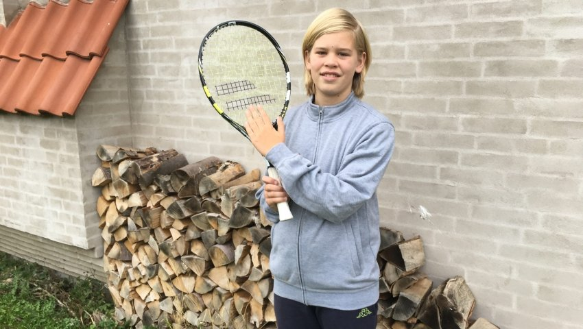 12-årige Andreas med sin ketcher