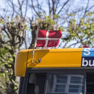 Busserne flager hvert år i Hovedstadsområdet til årets Børnehjælpsdag. Foto: Kim Agersten.