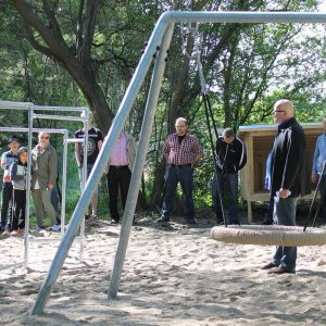 Børnehjælpsdagens projekt Drømmebanken med legeplads på Valdemarhus