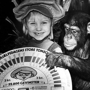 PR for Børnehjælpsdagens Store Tobola i 1977.