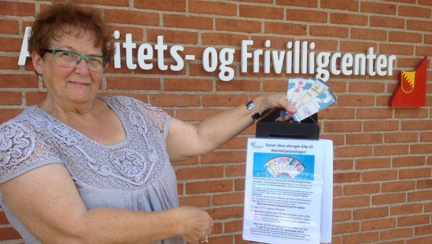Sonia Poulsen med indsamlingsboks