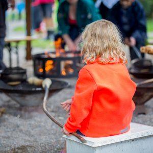Anbragt ung pige til Sommerfest i Knuthenborg Safaripark 2016. Foto: Børnehjælpsdagen.