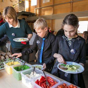 Frokostbuffet ved Børnehjælpsdagens Julefest på Vikingeskibsmuseet i Roskilde