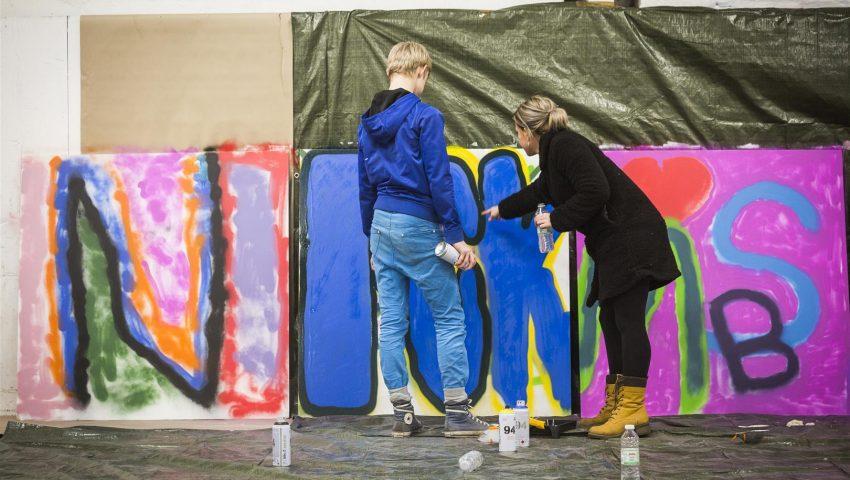 l-ron-harald-maler-grafitti-med-anbragte-unge-6-foto-roar-paaske-fotografi