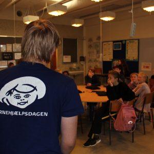 Silas fra Børnehjælpsdagen besøger Gjellerup Skole