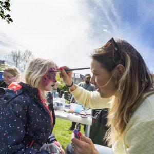 Lisbeth Østergaard ansigtsmaling Årets Børnehjælpsdag