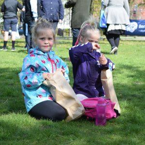 Goodiebags i Rådhusparken til Årets Børnehjælpsdag 2019